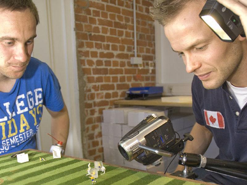 Sönke und Lars konzentriert beim Drehen.